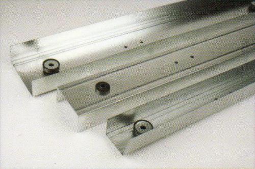 VIBROFIX LINER 75 направляющий профиль с виброэлементами 3000х75мм