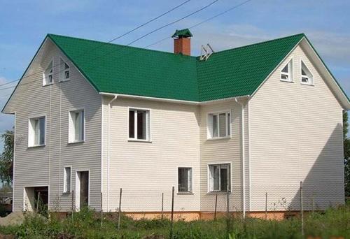 Виниловый сайдинг Дёке — неприхотливый, недорогой и очень красивый отделочный материал для обивки фасадов