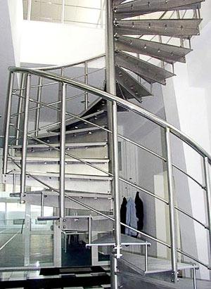 Винтовая лестница в Киеве.