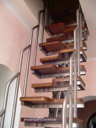 Винтовые лестницы. Комбинации(стекло, дерево, ковка, нержавейка).