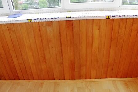 Внутренняя обшивка балкона деревянной вагонкой ольха