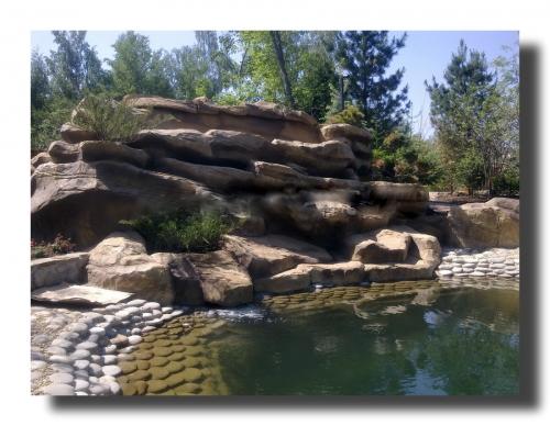 Водопады, скальные композиции
