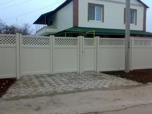 Ворота 3м. белый и бежевый створки по 1,5м