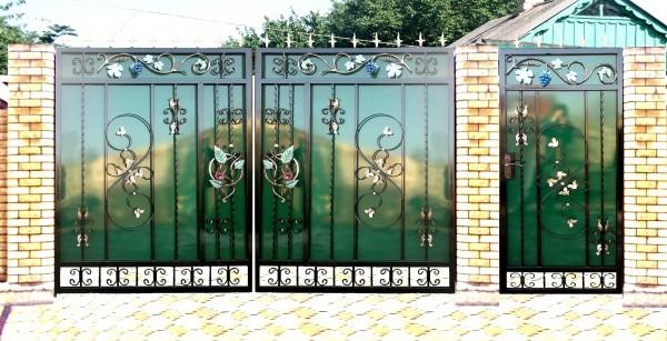 Ворота гаражные и фасадные, решетки, перила, ограды ритуальные
