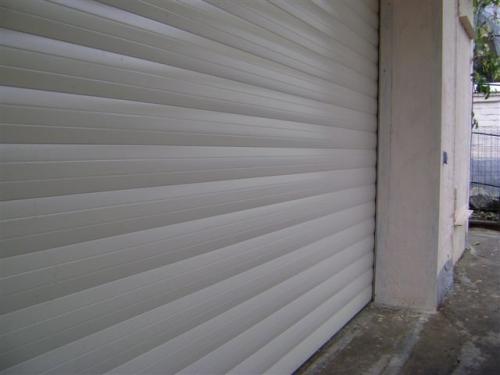 Ворота гаражные ролетные (роллетные). Профиль Алютех. Секционные ворота.
