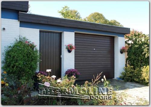 Ворота гаражные секционные Гофр, коричневый цвет. Изготовление по индивидуальным размерам. Работаем по Украине.