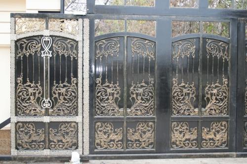 Ворота литые из чугуна, бронзы, нейзильбера