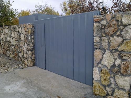 Ворота металлические распашные, откатные. Доставка, установка, рассрочка.
