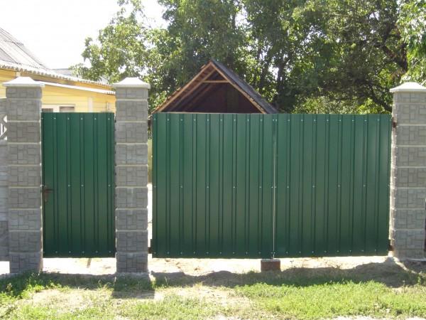 Ворота распашные из профлиста