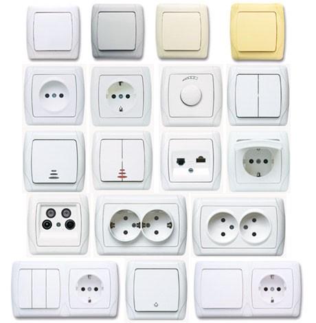 Встановлення розеток, вимикачів