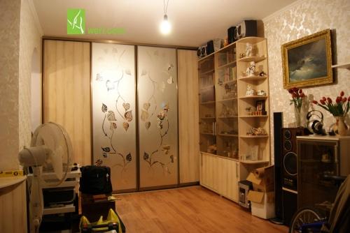 Встроеный шкаф-купе бюджетной серии от Aweri