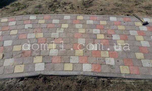 Фото  1 Укладка тротуарной плитки 1437490