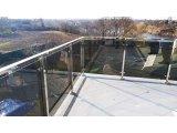 Фото 4 Перила для балкона с поручнем из нержавеющей стали и стекла 339322