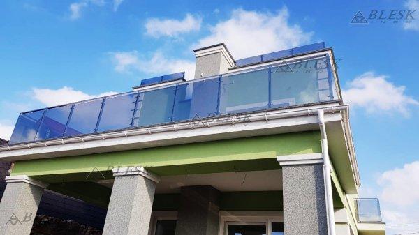 Фото 7 Перила для балкона с поручнем из нержавеющей стали и стекла 339322