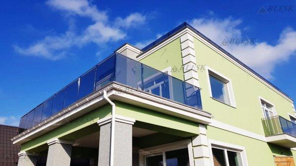 Фото 8 Перила для балкона с поручнем из нержавеющей стали и стекла 339322