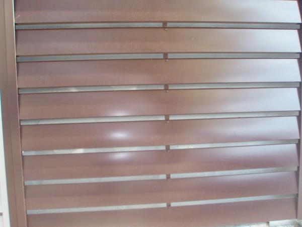 Забор металлический горизонталь стандарт Предлагаем металлические заборы из оцинкованной стали с полимерным покрытием.