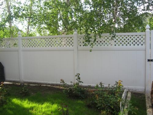 Забор пластиковый. Секция №13. Высота-2м. Длина-2,44м Секция столб.