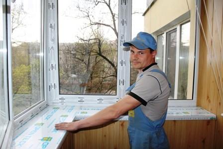 Замена окон на балконе на пластиковые спецмастерстрой.