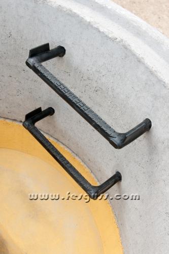 Железобетонные кольца, скобы опорные для колодцев канализации
